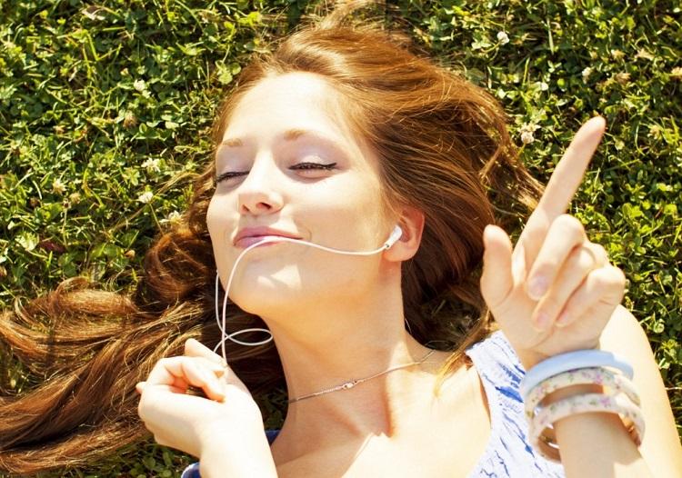 Cách chọn máy nghe nhạc MP3 để cải thiện tiếng Anh của bạn